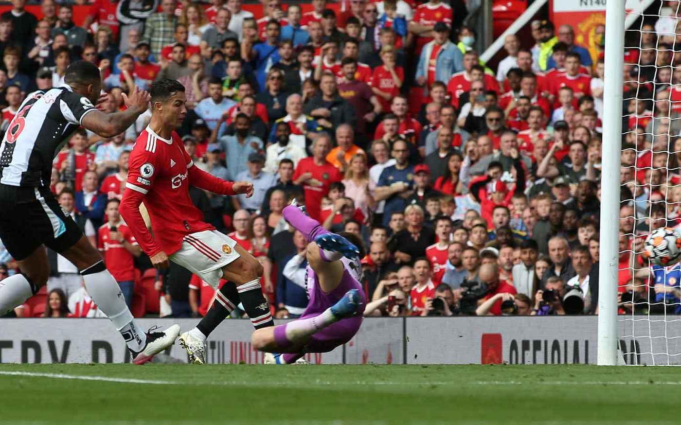 Ronaldo nói gì sau màn ra mắt hoàn hảo cùng Man Utd? -0