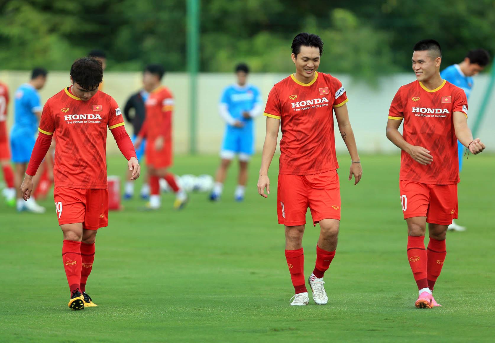Đội tuyển Việt Nam trở lại tập luyện, hướng tới trận đấu với đội tuyển Trung Quốc và Oman -1