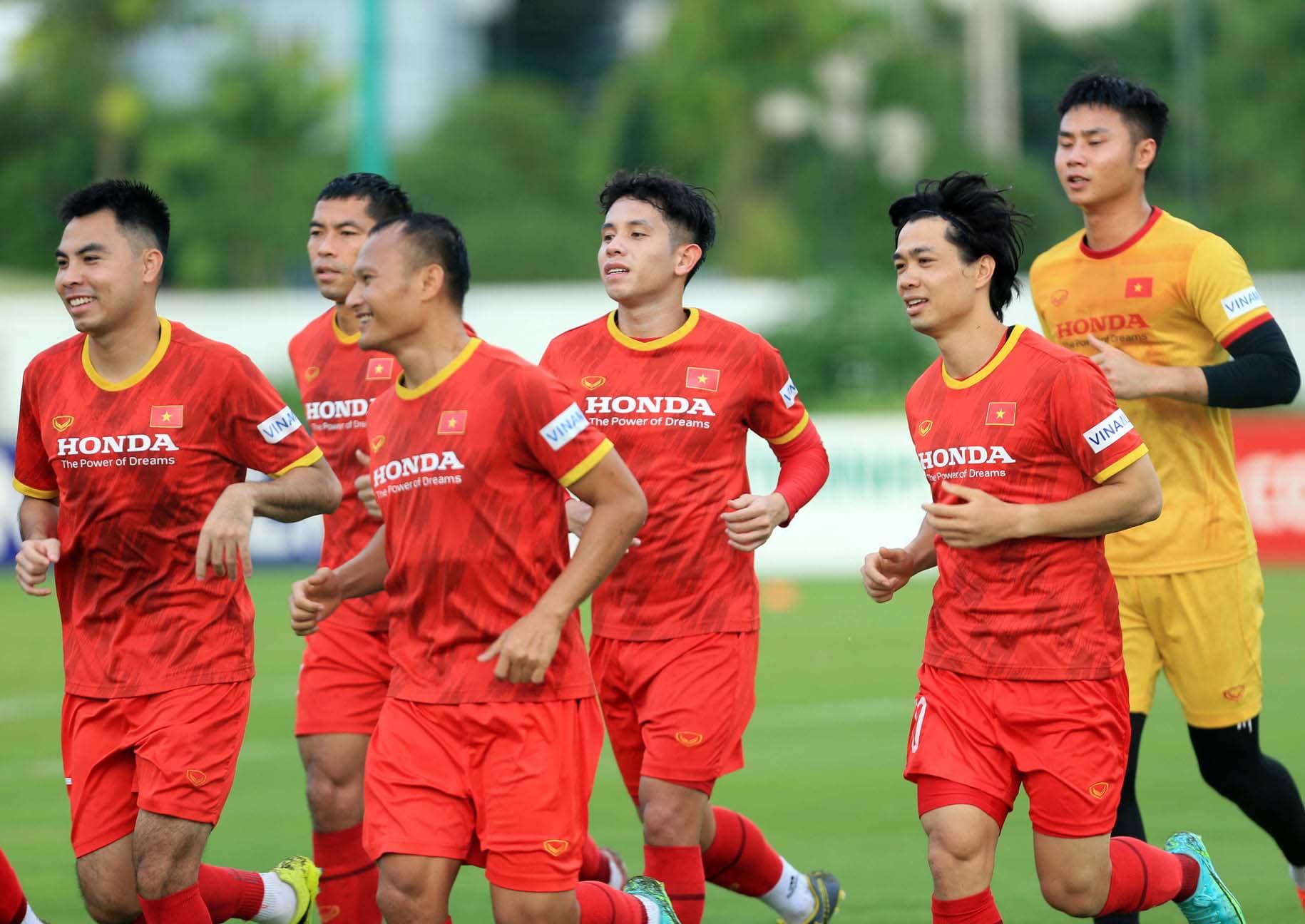 Đội tuyển Việt Nam trở lại tập luyện, hướng tới trận đấu với đội tuyển Trung Quốc và Oman -2