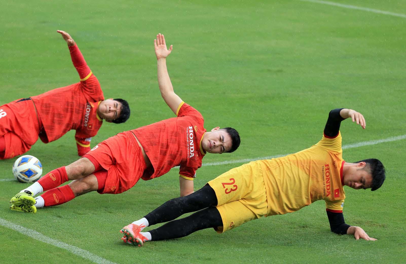 Đội tuyển Việt Nam trở lại tập luyện, hướng tới trận đấu với đội tuyển Trung Quốc và Oman -3
