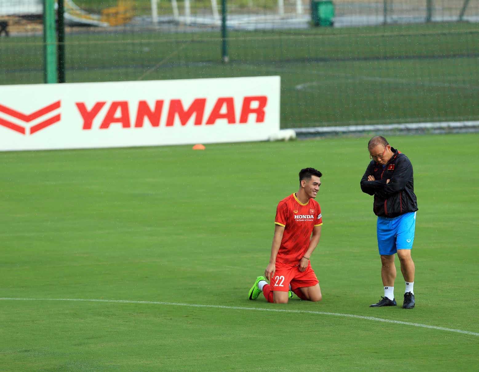 Đội tuyển Việt Nam trở lại tập luyện, hướng tới trận đấu với đội tuyển Trung Quốc và Oman -5
