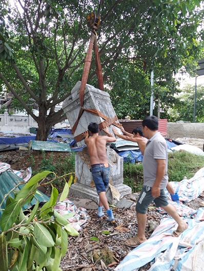 Sớm có biện pháp phục hồi bia đá chùa Thổ Hà -0