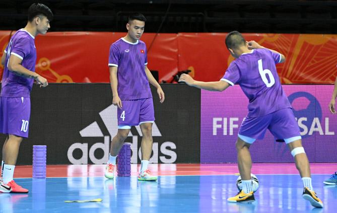 Đội tuyển futsal Việt Nam quyết giành vé đi tiếp tại World Cup -0