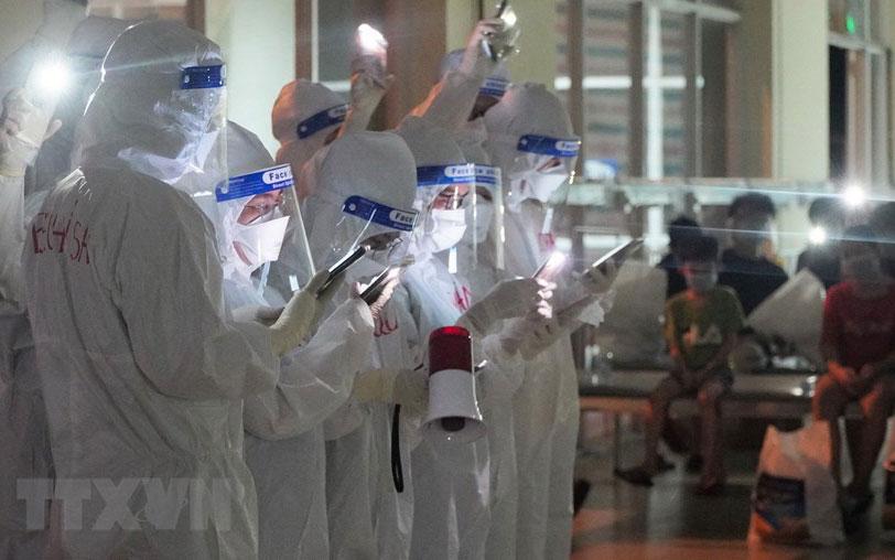 Tết Trung Thu ấm áp ở Bệnh viện Dã chiến thu dung và điều trị số 1 -5