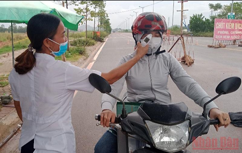 """""""Lá chắn"""" chống dịch Covid-19 ở Thái Nguyên -0"""