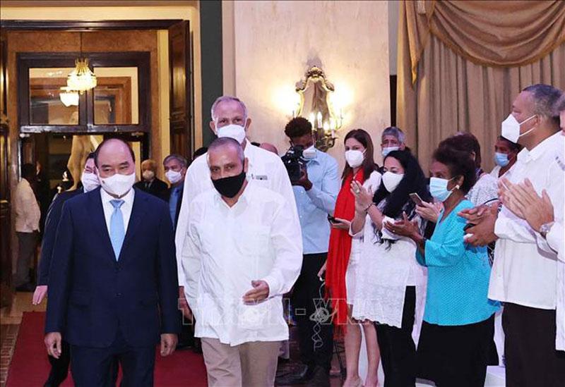 Chủ tịch nước Nguyễn Xuân Phúc tiếp các tổ chức hữu nghị Cuba-Việt Nam -0