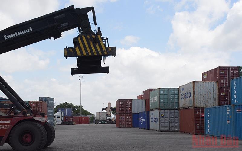 Lập hai tổ công tác rà soát giá cước vận tải biển -0