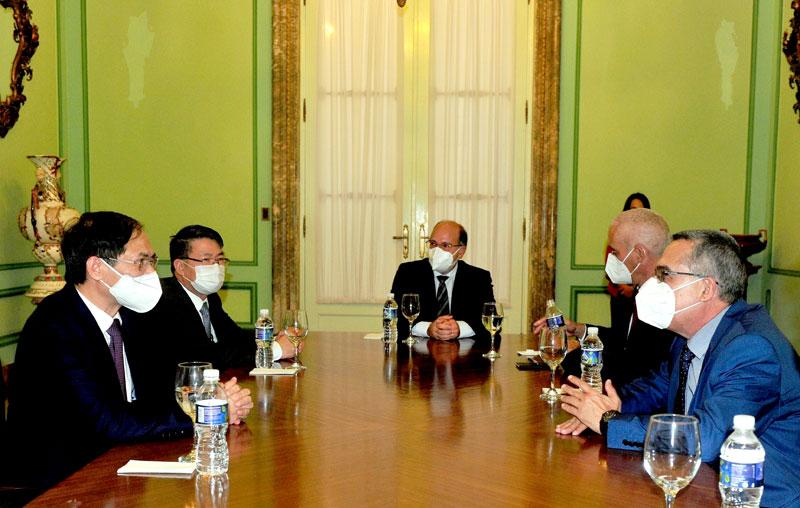Bộ trưởng Bùi Thanh Sơn gặp gỡ lãnh đạo Bộ Ngoại giao các nước -0
