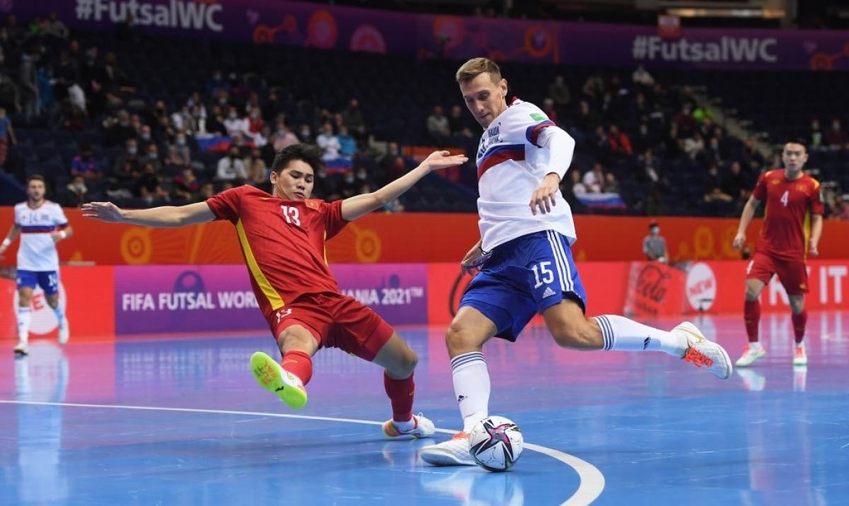 Futsal Việt Nam 1-3 Nga: Nga nới rộng khoảng cách -0