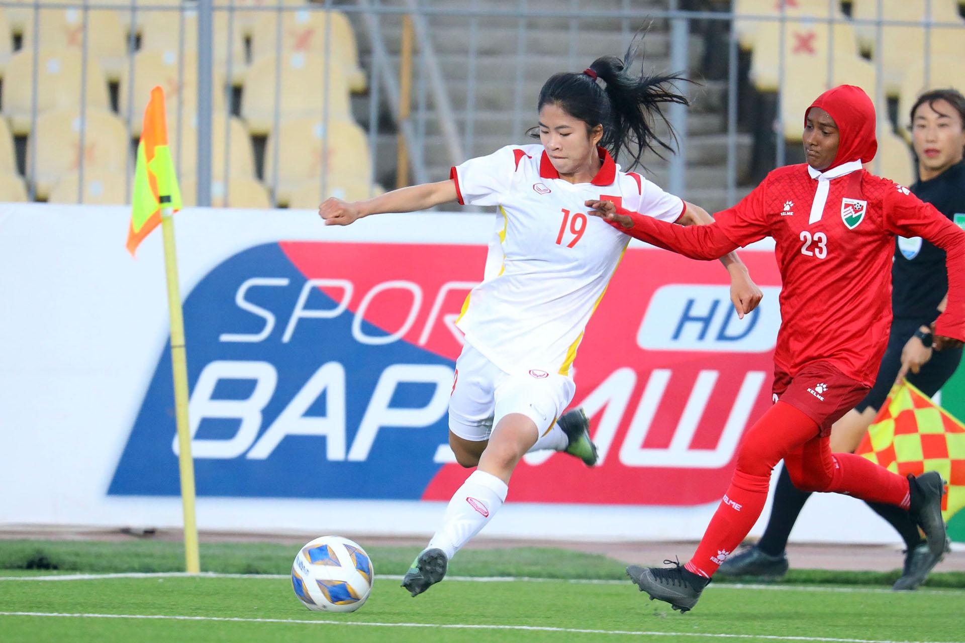 Đội tuyển nữ Việt Nam thắng 16-0 Maldives trong ngày ra quân -0