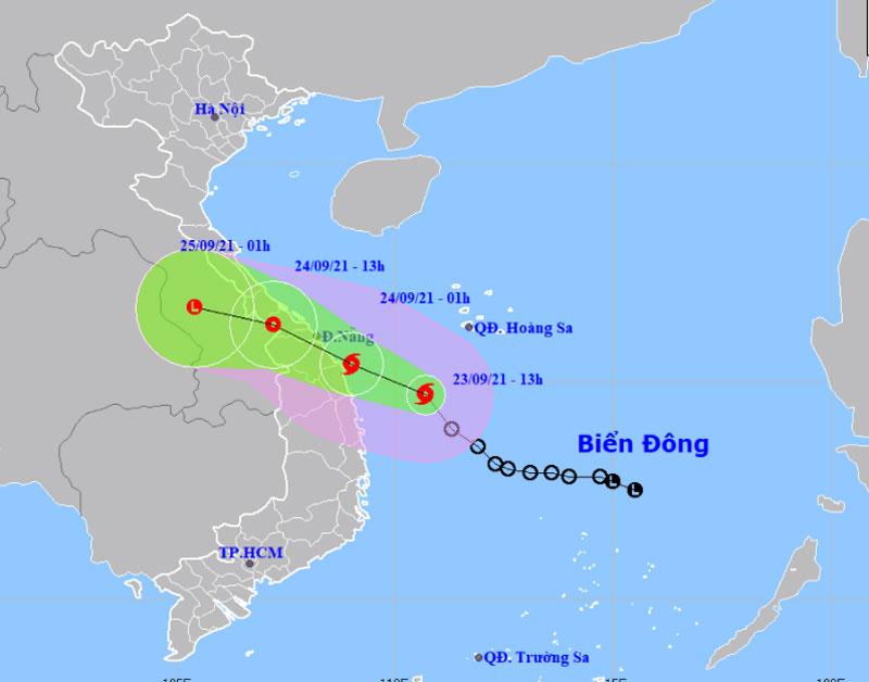 Bão giật cấp 10 hướng vào Thừa Thiên Huế đến Quảng Ngãi