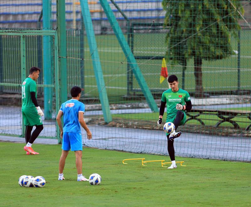 Đội tuyển Việt Nam tăng cường rèn kỹ chiến thuật, chuẩn bị cho trận gặp Trung Quốc -0