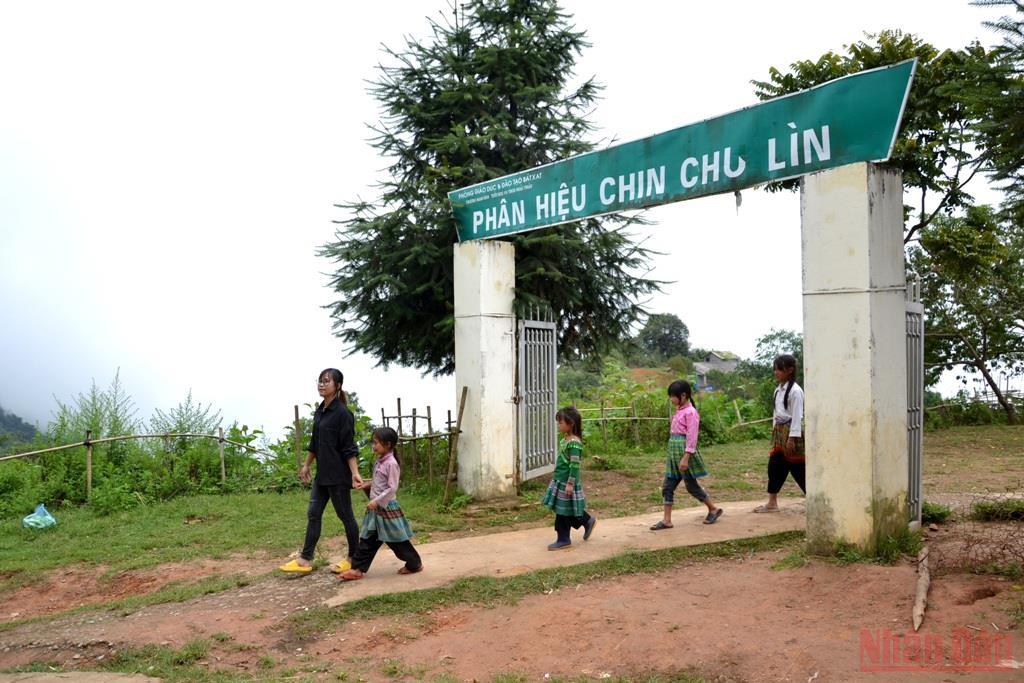 Trở lại ngôi làng cao nhất Việt Nam -0