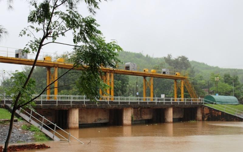 Kiểm tra công trình, chủ động vận hành tiêu thoát nước tại Thanh Hóa -0