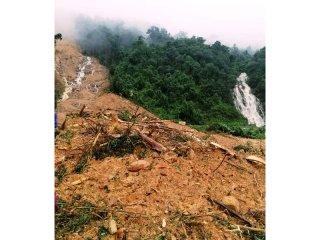 Sạt lở núi san phẳng trạm bảo vệ rừng Trường Sơn tại Quảng Bình
