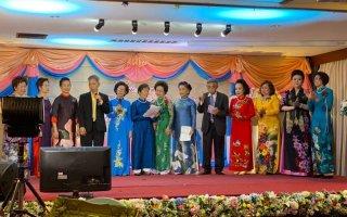 Kiều bào Thái-lan tôn vinh các thầy cô giáo nhân ngày 20-11