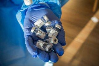 Australia thông tin về 30 trường hợp tử vong sau tiêm vaccine Pfizer ở Na Uy