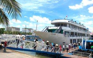 Quảng Ninh mở lại các hoạt động du lịch nội tỉnh