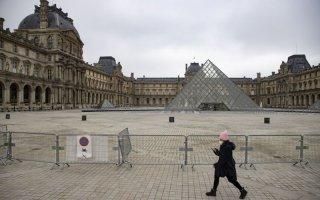 """Bảo tàng Louvre tận dụng """"thời cơ vàng"""" đóng cửa vì Covid-19"""