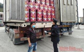 Hơn năm nghìn tấn nông sản xuất khẩu hằng ngày tại cửa khẩu Tân Thanh