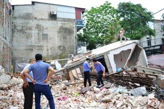 Lào Cai: Đào móng tầng hầm, làm đổ nhà ba tầng liền kề