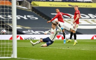 Man United thắng Tottenham 3-1 trên sân khách