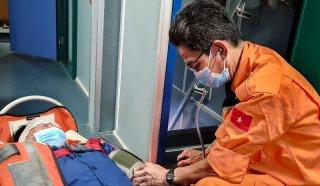 Cứu ngư dân bị đa chấn thương vùng mặt do tai nạn lao động trên biển